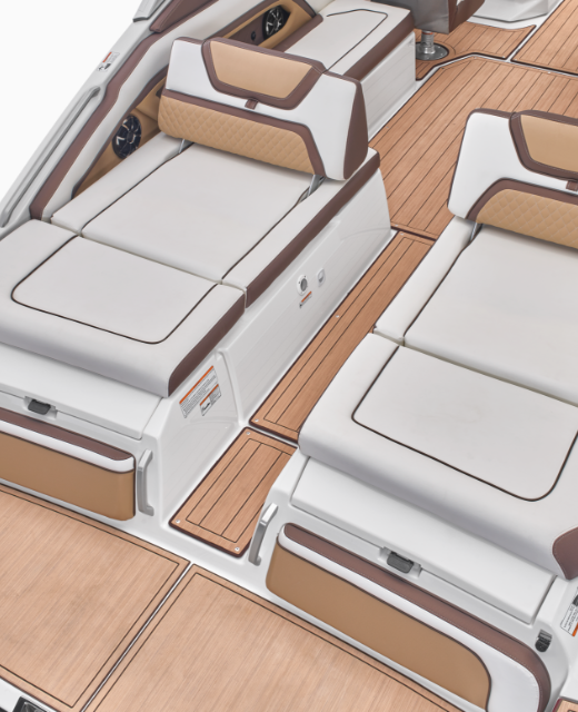 yamaha-boats-2021-275SD_Stern Seating.png