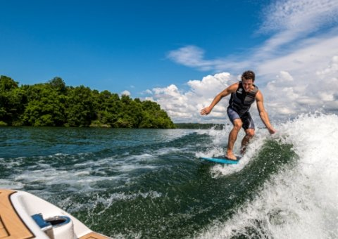 yamaha-boats-2020-wakes-surfing-done-right.jpg